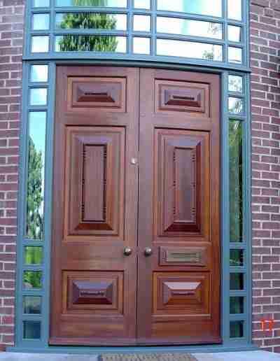 Bespoke hardwood bowed doors and screen